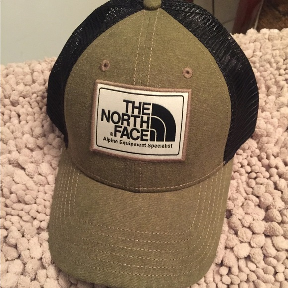 The north face mudder trucker hat. NWOT. M 5b78d0615a9d2194fe01cb99 c6462668701e